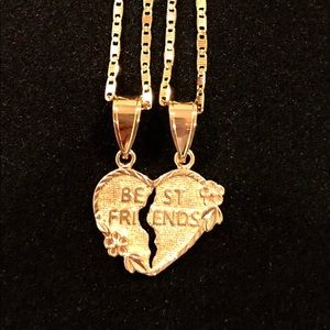 BF Holliday🎁Best Friends set of 2 Heart Necklaces